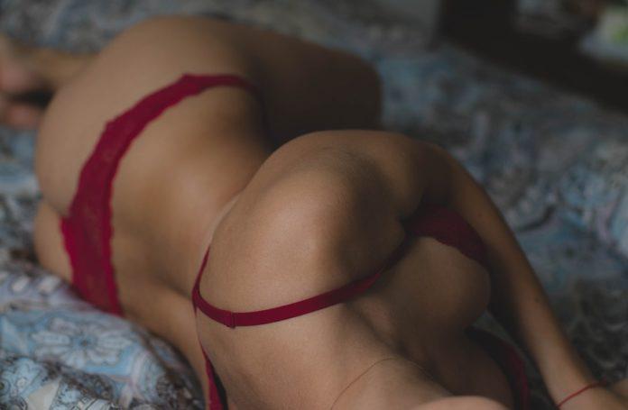 Seks rano jest lepszy? Sprawdź, co sądzą o tym naukowcy