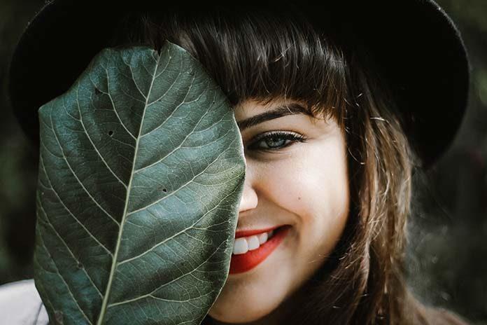 Aparat ortodontyczny – szansa na piękne i proste zęby