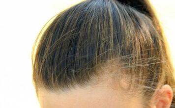 """Top 5 praktycznych fryzur, które sprawdzą się nawet """"pod czapką"""""""